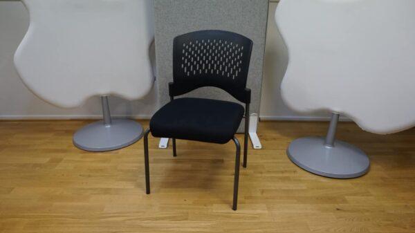 Konferensstol - Svart tygsits #3040 - Stockholms Kontorsmöbler