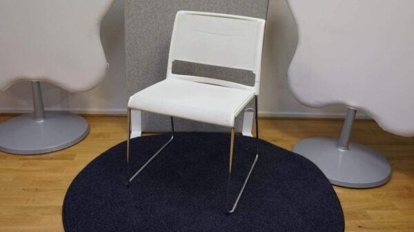 Konferensstol vit metal - Wilkhan #3085 - Stockholms Kontorsmöbler