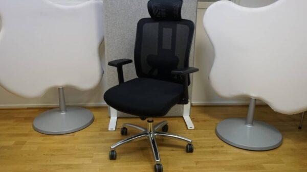 Ergonomisk kontorsstol svart tyg nackstöd armstöd och ländrygg #1074 - Stockholms Kontorsmöbler