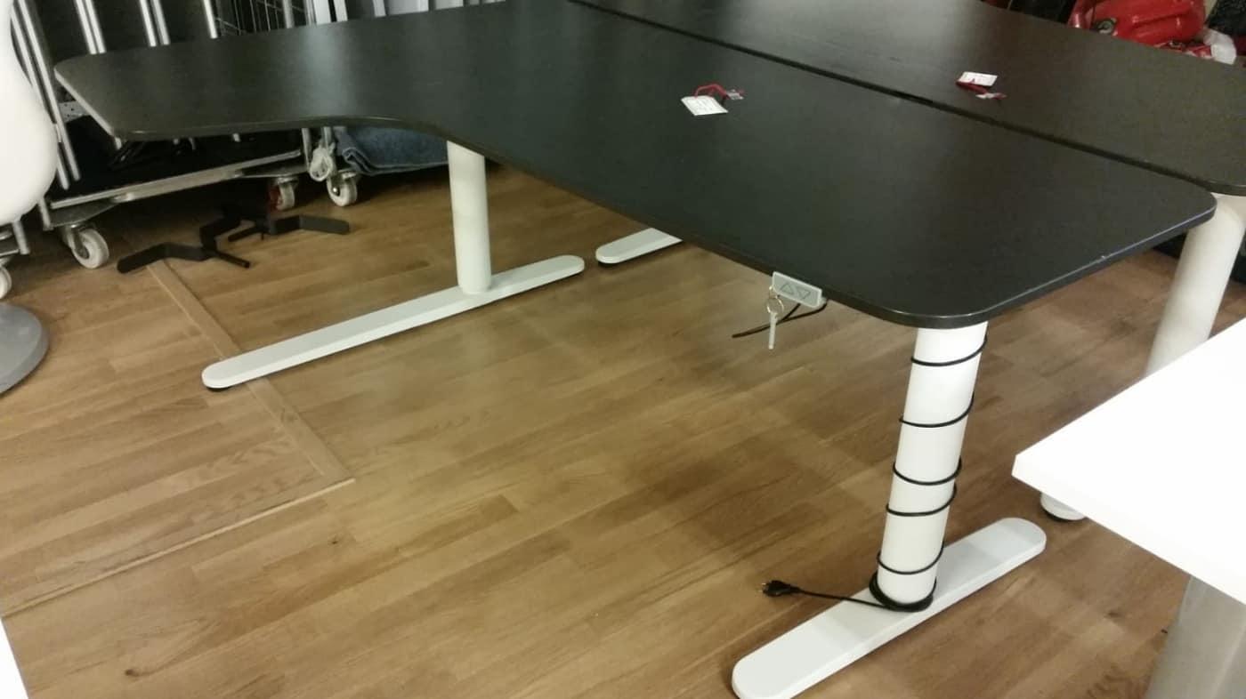 Höj och sänkbart skrivbord vit ben och svart skiva #4012
