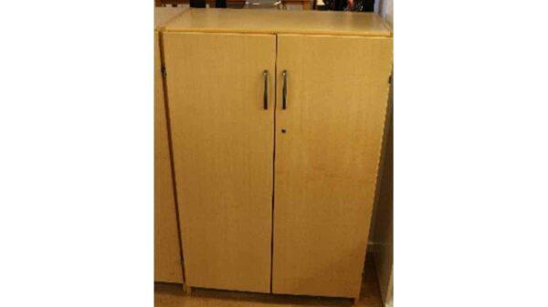 Förvaring med dörrar i bok #5011 - Stockholms Kontorsmöbler