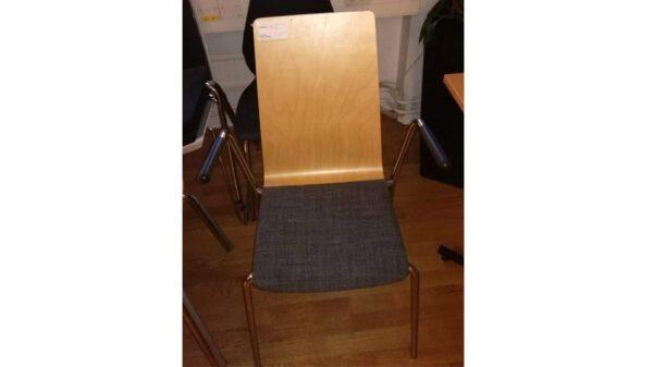 Konferensstol i träfanér och mjuksitts #3027 - Stockholms Kontorsmöbler