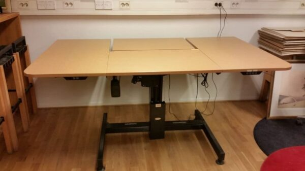 Höj och sänkbart skrivbord #8012 - Stockholms Kontorsmöbler